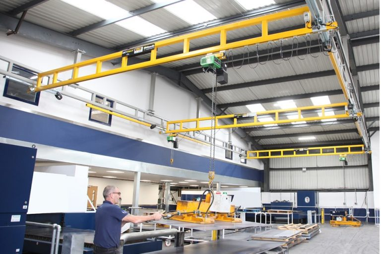 Overhead cranes from Metreel manage the load